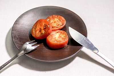 g11-with-tomato